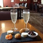 fizz and pre dinner canapes