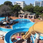 Widok na hotel i basen
