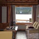 Vista da sala de estar para o lago