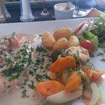 filet de saumon aux écrevisses et sauce crémée