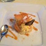 Fantastico tortino di pan di spagna, crema pasticcera ed albicocche fresche