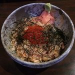 rice bowl with salmon, roe and roasted seaweed