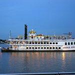 Dinner Cruises on Paddlewheel boats
