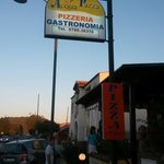 We found a fantastic little local pizzeria called acqua pizza the food was so good the sea food