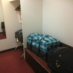 Luggage Area, King Room