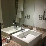 Vanity, Bathroom, King Room