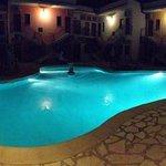 piscina di sera...