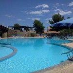 Parte della piscina del villaggio