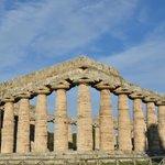 Perspective en large depuis l'angle Sud-Est. Temple d'Héra. Paestum