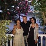 Sonia mit zwei Gästen im Juli 2014