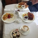 Breakfast-Room service
