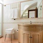 Minerva bathroom