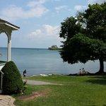 King St. park - Niagara meets Ontario