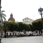 Enjoy a tapas luch in the square