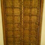 Porte de la salle de bain chambre 4 à la closerie