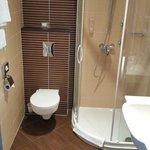Shower/bathroom