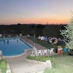 ........e per San Lorenzo grande cena a bordo piscina  Tixy63