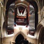 Près du Vieux Lausanne, dans la Cathédrale, le plus grand orgue de Suisse.