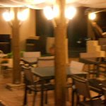 terrasse ferme de janou de nuit