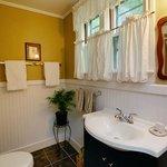 Parlor Room bath