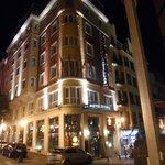 Bom hotel no centro de Madri