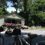 Fletcher's Cove - Boat rental - Cold Drinks and Shady picnic area