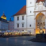 zahrádka restaurace/outside seating and the view on Astronomical clock