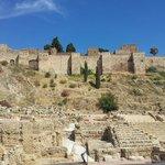 Alcazaba en haut et le théâtre romain en bas