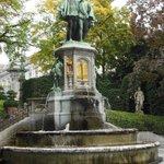 Fonte com estátua