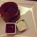 """""""famous"""" K 108 Burger"""