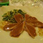 Bistecca di tonno pinnegialle con salsa di prugna