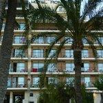 El hotel visto desde el Parque Elche