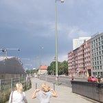 rechts Hotel,links Fernsehturm!!!