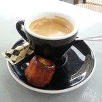 Bon café et super cannelé