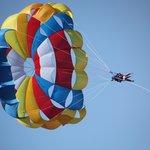 Parachute assentionnel