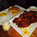Pretzels & Wings, perfect bar food