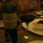 A noite foi regada com bons vinhos, um ambiente agradável e um ótimo atendimento.