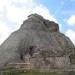 Uxmal - meerdere pyramides zijn over elkaar gebouwd
