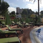 Tortuga Pool - Lots of sunbeds available
