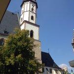 Ausblick aus der Weinwirtschaft auf die Thomaskirche