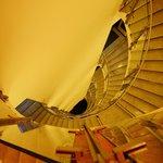 Оригинальная полувинтовая лестница
