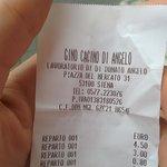 Prodotti Tipici Buonissimi e prezzi Bassissimi :D Panino 4,50€ - porchetta calda 3,00€ - Acqua 1