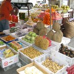 Fruit stall at Ongpin street
