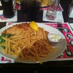 plat fish and chips