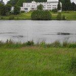 Vue de l'hotel depuis le lac