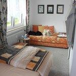 Schlafzimmer (Franz. Doppelbett + Einzelbett)