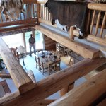The Log House Inn resmi