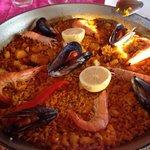 Paella au fruits de mer chez restaurnt Canis