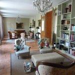 Sitting room at Les Ormes de Pez