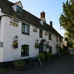 Exterior of Red Lion, Northmoor